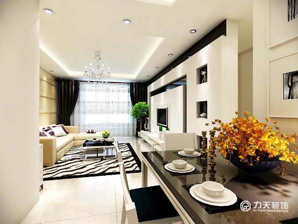 餐厅的面积较小,处于一进门的位置,在设计上,选择了较小的餐桌靠墙布置。卧室的地板选择了强化复合地板,美观、耐磨。