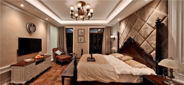 水榭山欧式别墅卧室