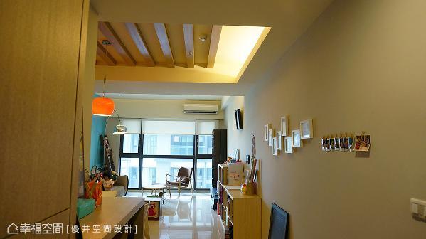 打开幸福的大门,设计师庄孟仁运用纯粹的素材与色调,让宾客与屋主一进门就能感受舒缓氛围。