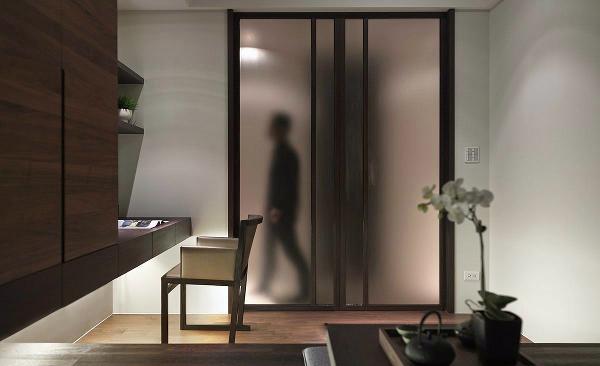 透过设计,整合居室空间机能及满足舒适需求,更使风格一致性,透出业主的生活品味。