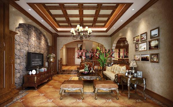 成都雅居乐460平米别墅美式风格装修设计案例——客厅设计效果 设计师使用大量的天然文化石和仿古砖,及木饰面装饰,让人产生一种和大自然,历史,现代融合的感觉。