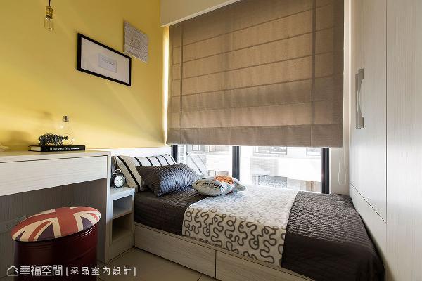 采品室内设计善用床尾和床底空间,规划衣橱和收纳柜体,提升空间机能。