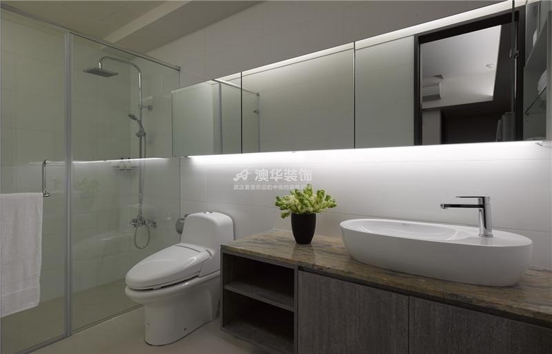 卫生间图片来自澳华装饰有限公司在南湖玫瑰湾·现代时尚物语的分享