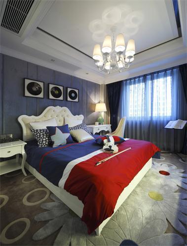 醒目却低调的卧室风格,很适合家有孩子的卧室……