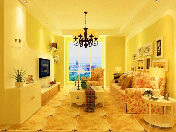 客厅的家具主要是以奶白象牙白等白色为主,优雅的造型,细致的线条和高档的油漆处理,都使得每件产品像优雅成熟的中年女子含蓄温婉内敛而不张扬,散发着从容淡雅的生活气息。又有清新脱俗的田园春光的感觉。
