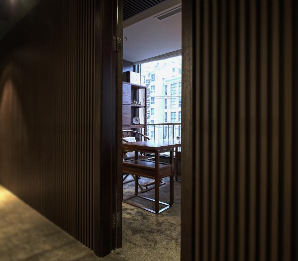 铝方通的暗门做法,是整个效果一体化。