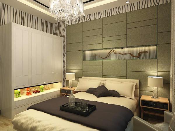 卧室也是墙壁上用竖条形的黑白灰的壁纸和简单的挂画装饰休闲又高大上的感觉,顶部一样的集成吊顶,衣柜分上下两个部分,非常美观显得空间既不狭窄又十分具有实用性!