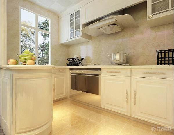 厨房是开放式厨房,采用白色橱柜,迎合整体色调。