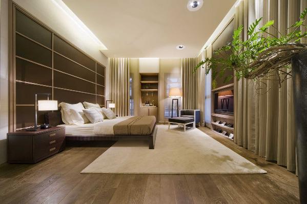 由于线条简单、装饰元素少,现代风格家具需要完美的软装配合,才能显示出美感。例如沙发需要靠垫、餐桌需要餐桌布、床需要窗帘和床单陪衬,软装到位是现代风格的关键。