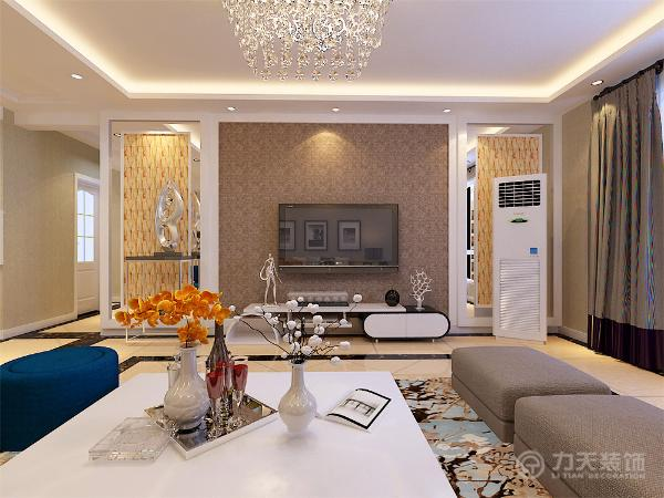 客厅区域电视背景墙采用两侧石膏板与灰镜以及文化石,中间石膏板圈边搭配素色壁纸的造型为主。