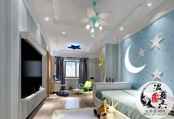 儿童房造型一切以梦幻为主,星星和月亮造型的设计,给儿童的晚安梦乡带来故事感和安全感,让人更喜爱的是,吊扇的每一页扇子都是天使的翅膀造型,完全匹配了孩童的天真和无暇的世界。