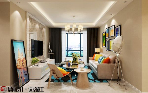 客厅空间色彩风格上,咖色为主色调,大理石造型电视背景墙搭配磨皮沙发,简约时尚,沉稳大气,有摩登时尚的感觉。