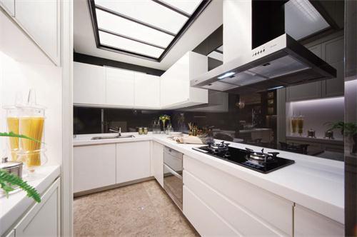 黑白搭配的厨房,整洁,简单……