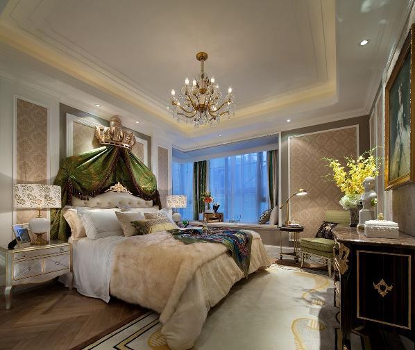 家庭室作为家庭成员休息交流的中心,属私密性很强的空间,一般设于餐厅旁,并有电视机,同时沙发和座椅选择轻松明快的式样,室内绿化也较为丰富,装饰画较多