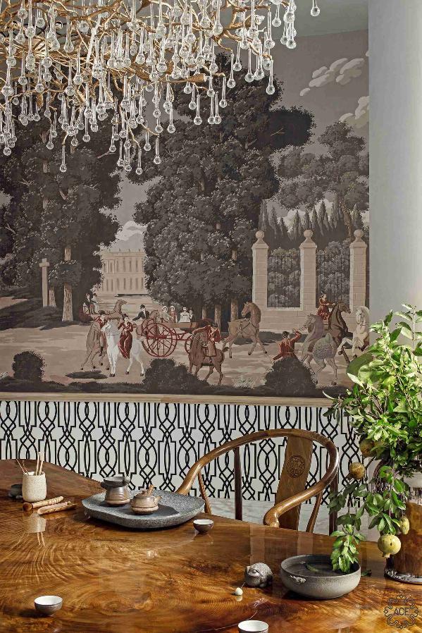 大面积欧洲宫廷户外墙画混搭中式手绘柜体。