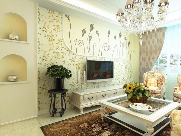从图上可以看出,客餐厅的顶面一样,都是偏欧式灯带吊顶,面以暖咖色乳胶漆为主,客厅的沙发采用的是碎花布艺沙发,沙发背景墙挂了装饰画