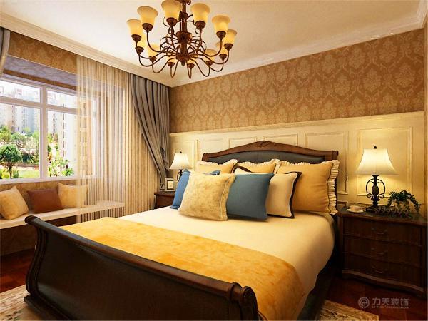 在床头装上了护墙板,这也是美式风格的特点之一.图片