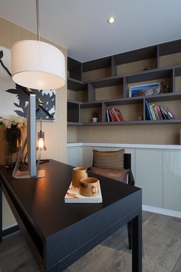 搭风格糅合东西方美学精华元素,将古今文化内涵完美地结合于一体,充分利用空间形式与材料,创造出个性化的家居环境