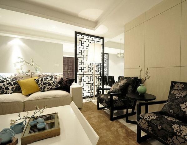 主要饰材:地砖小蜜蜂,壁纸瑞梵蒙德,元洲定制木门及客厅护墙板和隐形门,橱柜欧派,洁具法恩莎。