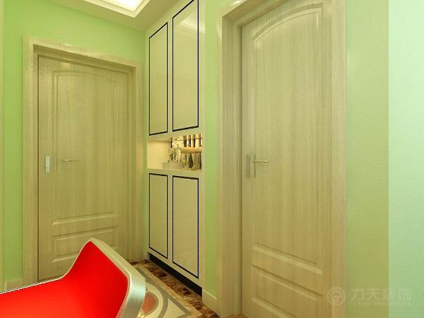进门处是通顶的衣柜,衣柜做成了白色,这样不乏现代气息