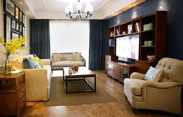 ▲随意摆放的沙发不同于固定的组合的搭配,显得更加个性。
