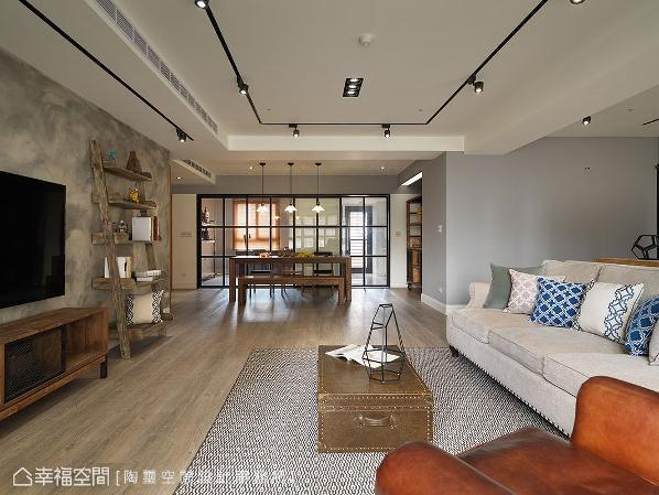 拆除书房与厨房的隔间墙,改规划为格状玻璃拉门,不仅视野得以延伸,也让原先采光不佳的此处能揽进更充足的日光。