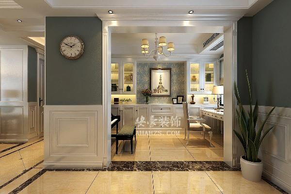 书房,书柜选择有门的书柜,不光美观,而且好打理灰尘。