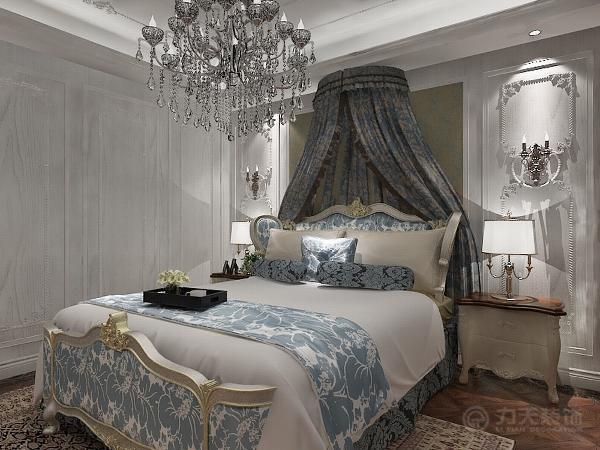 卧室则都是采用木地板,来烘托整体的简欧风格。