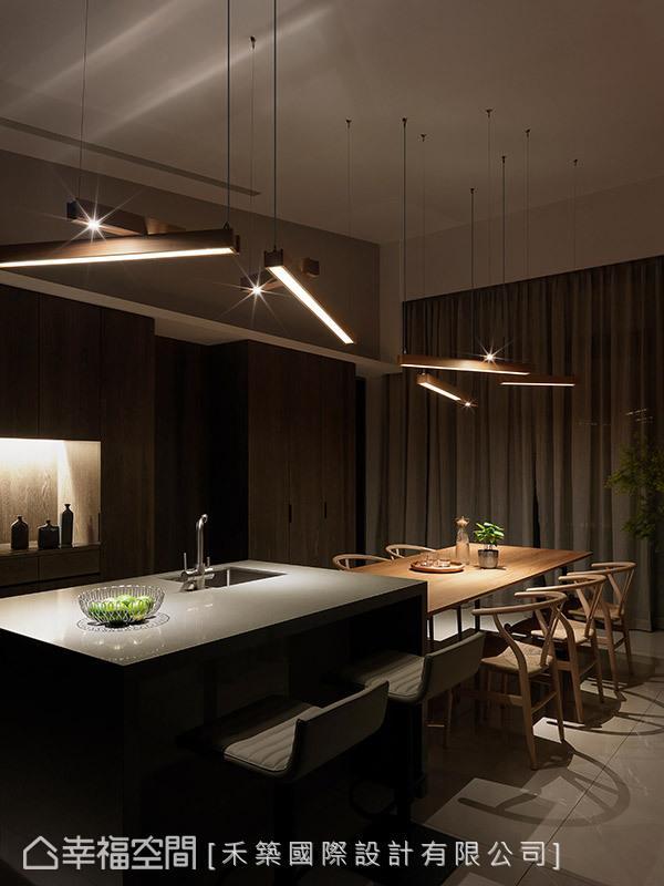 不同的照明方式,能够营造出有别于白天的轻透明亮,带来唯美浪漫的情境氛围。
