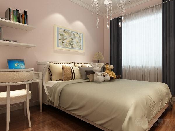 次卧室是儿童房,墙面是粉色的,上面加了石膏线的圈边