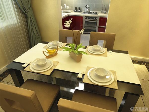 餐厅用了波打线以及酒柜隔断划分了与客厅的区域,厨房由于主人喜欢所以定制了红色的橱柜以及用了浅色的窗帘,整体来看房间美观大方又不失去个性,体现出了主人独特的个性。