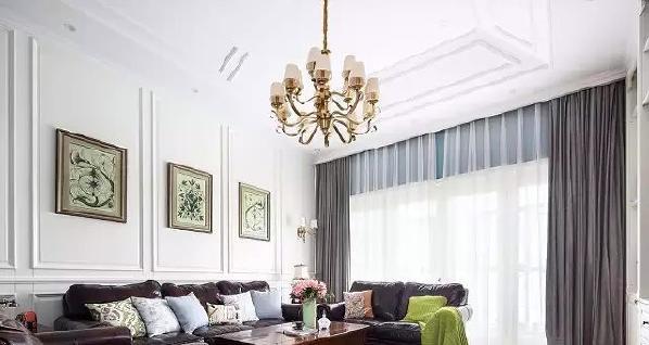 ▲ 主吊灯适合高空间,金色点亮,绿色点缀呼应