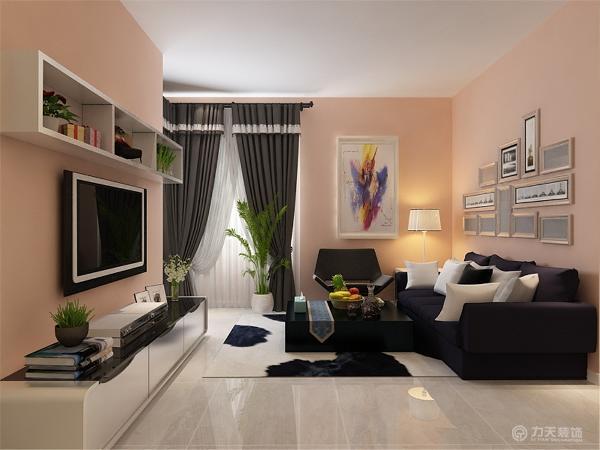 主沙发运用简约风格,沙发背景墙挂着白黑相框的照片,凳子和地毯运用白色与黑色的搭配。客厅的家居摆放,颜色搭配,样式选购,为简约的中心思想发挥的淋漓尽致。