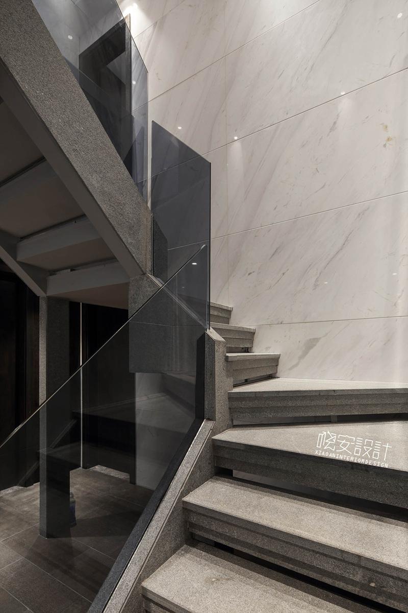 简约 三居 白领 收纳 80后 小资 楼梯图片来自周晓安在蓦然几何的分享