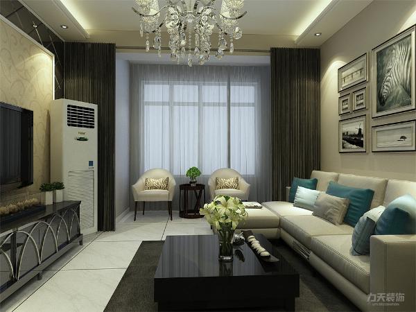 客厅空间讲究的是时尚的现代化气息,电视背景墙采用黑色背漆玻璃内嵌壁纸的造型使墙面更明亮富有层次感,地面800*800的白色地砖使空间看起来更有时尚感。