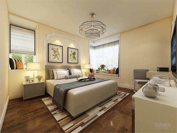 主卧室顶面无造型,床头背景墙使用白色石膏线造型,整体搭配出温馨的感觉。厨房空间现代感十足,顶面使用集成吊顶加吸顶灯