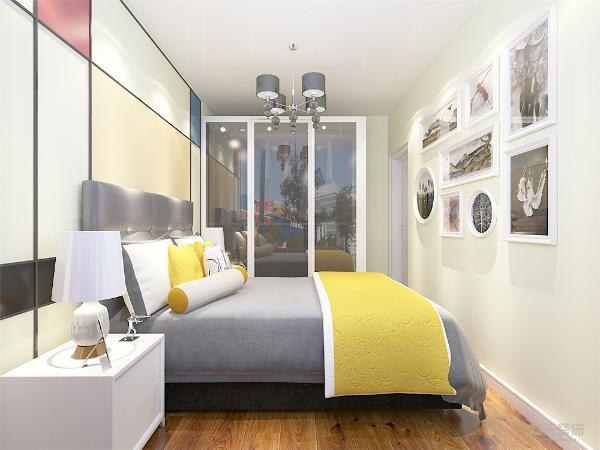 卧室采用放射性较强的色块床头背景墙,灰色的床与客厅灰色的沙发相互性,白色边框灰镜衣柜,放置一整面的照片墙回忆满满,使业主在这样的环境氛围下能够舒适的生活,更加放松卸去一身疲惫
