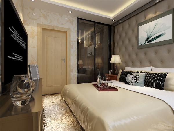卧室也采用和客厅、餐厅一样简单的色系床,使整个设计更加协调,主卧还设计了衣帽间。卫生间的色调明亮,设计简约大方。整个空间通透明亮,非常适宜居住。