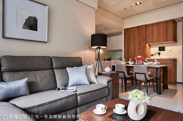 为营造放大的视觉效果,公领域采开放式设计,让客厅、餐厅、厨房得以串联。