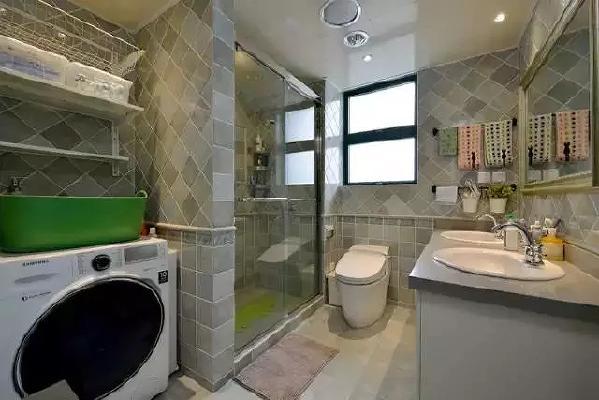 ▲ 卫生间淋浴隔断