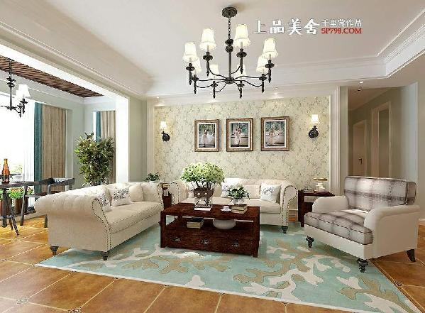 客厅电视背景墙设计了简单造型,中间贴的花卉墙纸,给人一种清新的乡间气息;两侧用壁灯做装饰,简单大方。
