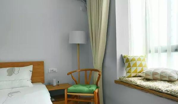 ▲ 圈椅和飘窗,舒适自然的休闲区域