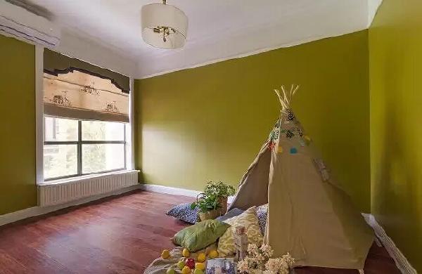 因为暂时没有宝宝,所以在儿童房搭建了一个小帐篷,随时期待着小宝贝的到来