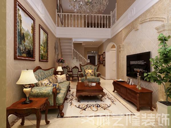 室内多采用带有图案的壁纸 窗帘 帐幔及欧式装饰画,体现华丽的风格。