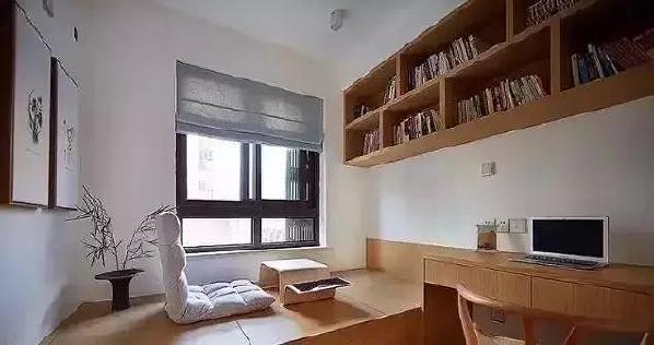 ▲ 多功能书房,榻榻米下全是储物空间, 也可以临时当作客卧。