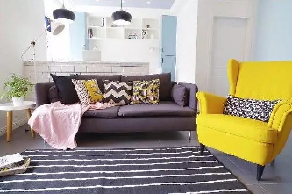 窝在沙发上看电视,和朋友聊聊旅行的事,围坐一起怎么能没有一个简单耐看的地毯呢?