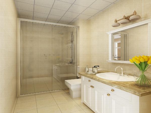 墙面也运用了黄金色壁纸,与地面相呼应。