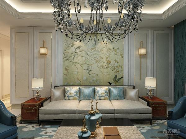 沙发背景墙,用新中式中常用的中国画壁纸做装饰,使空间更具中式感,色调统一,给人一种温馨视觉感受,简单大方,和布艺家具协调统一,营造出温馨的气氛。