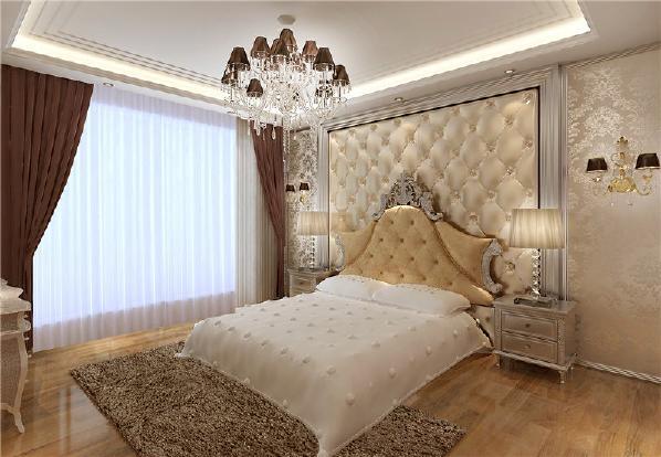 主卧室设计一整面墙设计成储物柜。