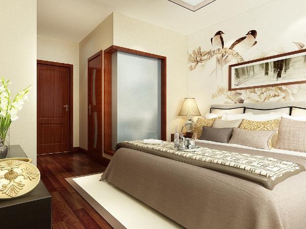 整体的地面选择了米黄色的大地砖,主卧室墙面以浅米黄色为主床后面贴了白色底的壁纸,地面是深色的木地板。